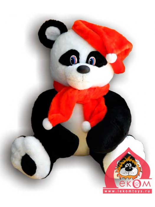 Медведь Панда в шапке